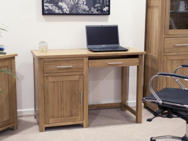 schöner-PC-Tisch-Holz-praktisches-und-funktionelles-Design