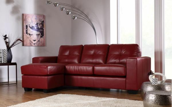 schickes-wohnzimmer-einrichten-ledercouch-design-