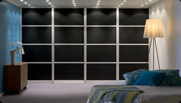 schwarze--Schiebetüren-für-Kleiderschrank-schöne-Wohnideen-für-Zuhause