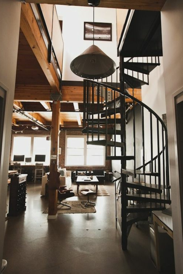 schwarze-Spiraltreppe-originelles-Design