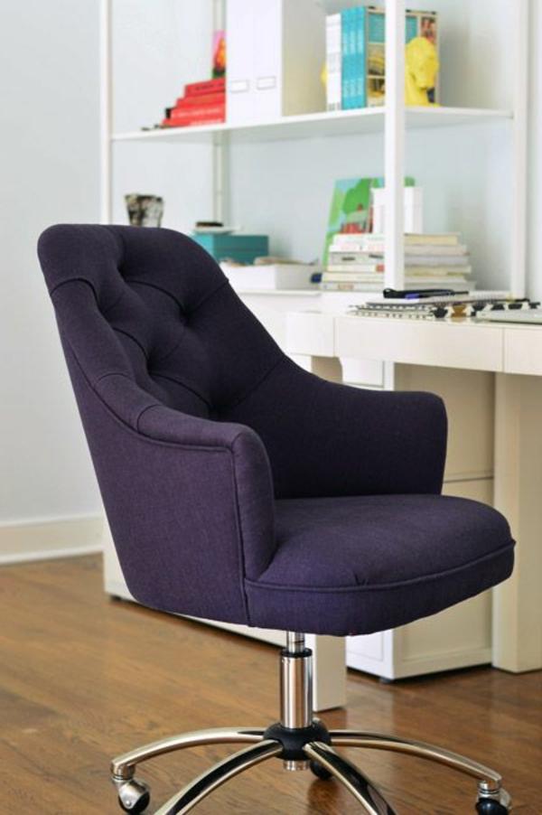 schwarzer-bequemer-Bürostuhl-elegantes-Modell-Büromöbel
