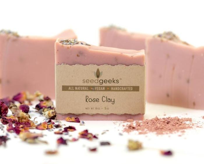 komsetik aus natürlichen zutaten, seifen rezepte, selsbtgemachte seife mit rosa ton, vegan