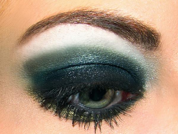 smokey eyes make up - grün und schön
