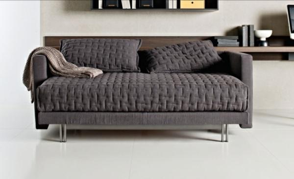 sofa_mit_schlaffunktion-in-grauer-farbe
