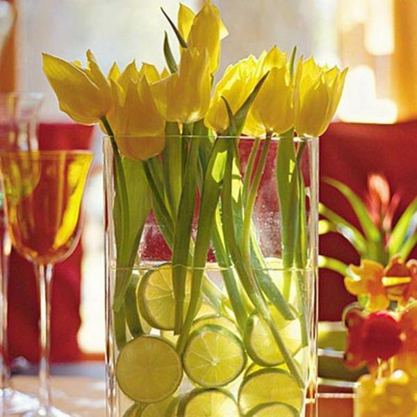 dekoration-gelb-tulpen-schnittblumen-glas-vase