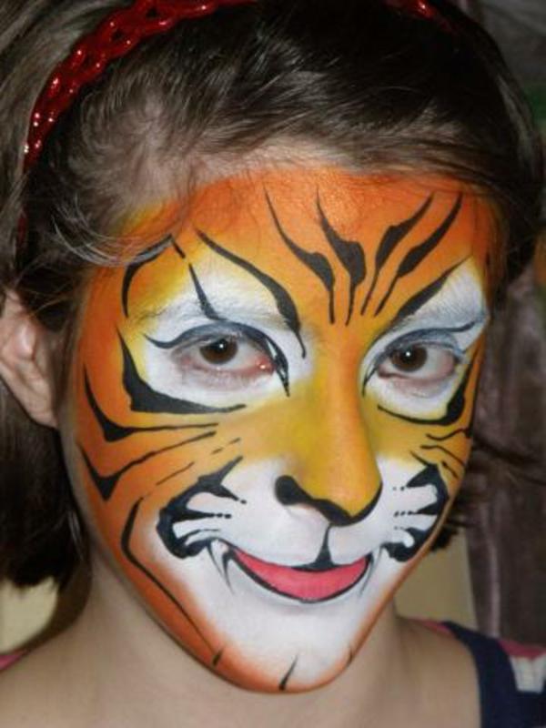 tiger-schminken-eine-schöne-maske-für-mädchen