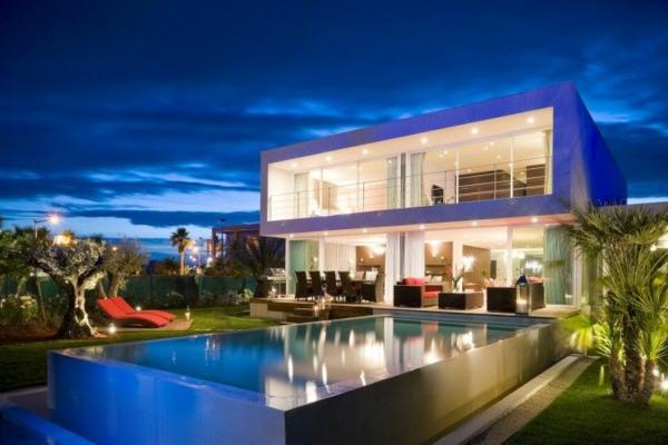 tolles-ferienhaus-mit-pool-ultra-modernes-design-