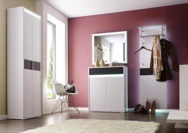 ultra-moderne-weiße-dielenmöbel-wand-in-rosa