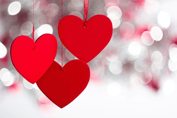 valentinstag-geschenk-dekoration-rot-herzen