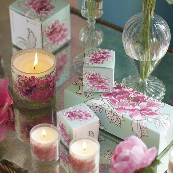 dekoriren-mit-kerzen-und-blumen