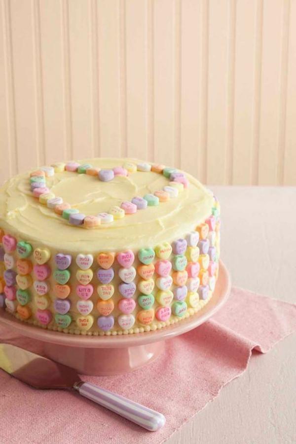 valentinstag-ideen-leckere-süßigkeiten-torte
