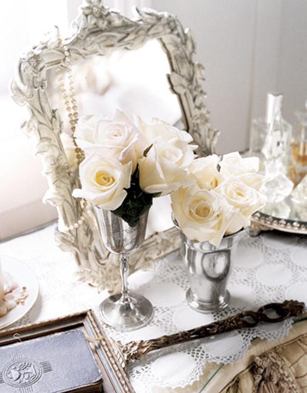 vasen-rosen-silber-kreme-weiß