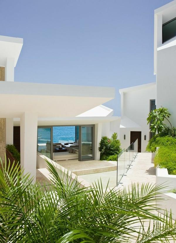 weiße-luxus-villa-mit-einem-fantastischen-pool-luxuriöses-design