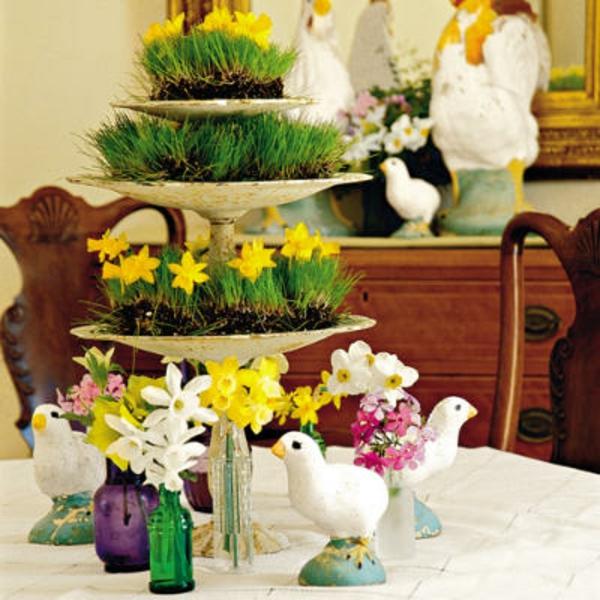 narzissen-tisch-dekoration-weiß-gelb