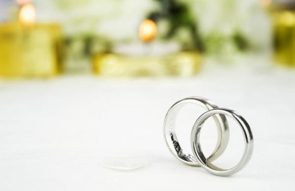 ckeckliste für hochzeit machen - verlobungsringe