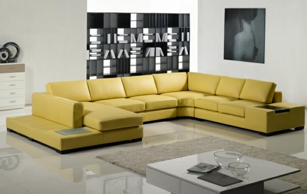 wohnzimmer-einrichten-ledercouch-design--gelb