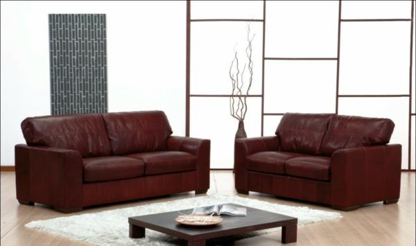 -wohnzimmer-einrichtung-mit-einem-super-bequemen-sofa-aus-leder