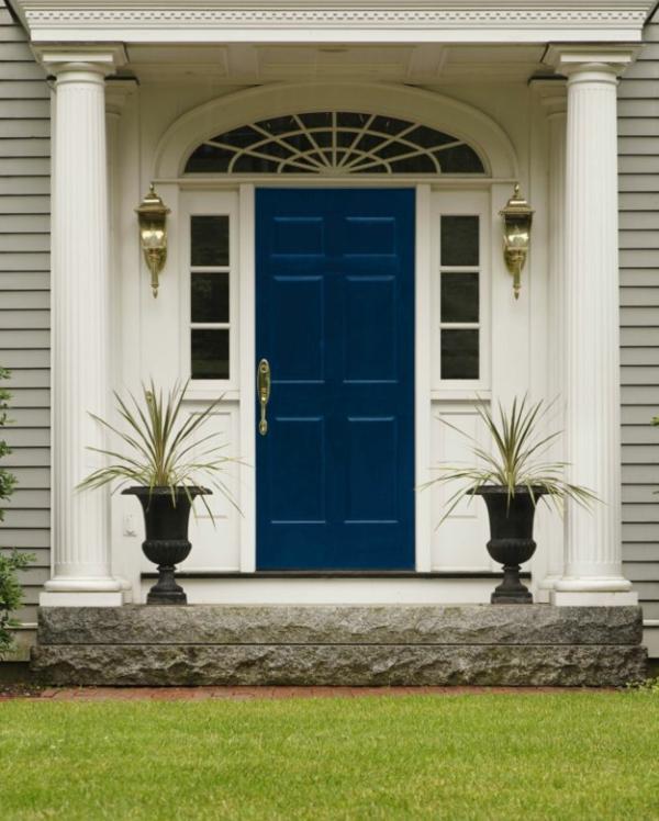 wunderbare-gestaltung-moderne-ambiente-eingangstür-in-blau