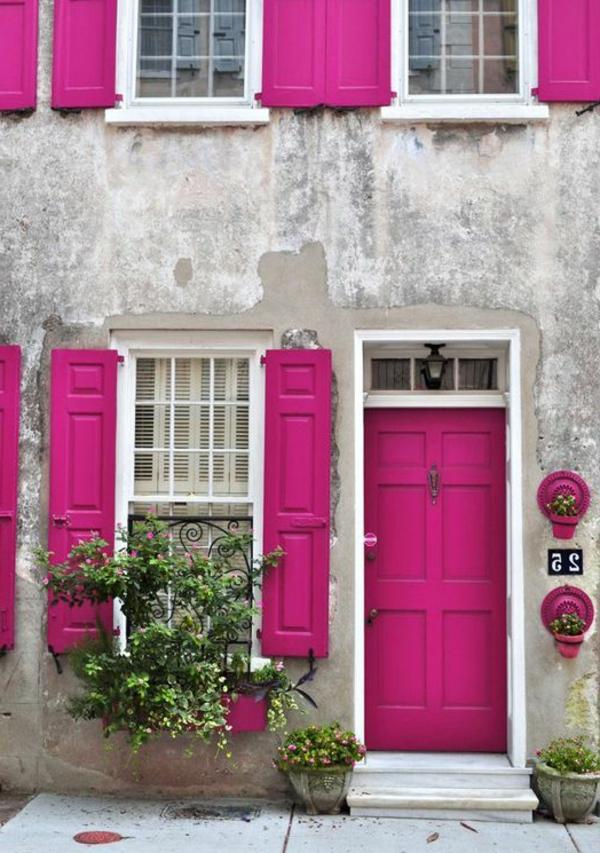 wunderbare-gestaltung-moderne-ambiente-eingangstür--rosa