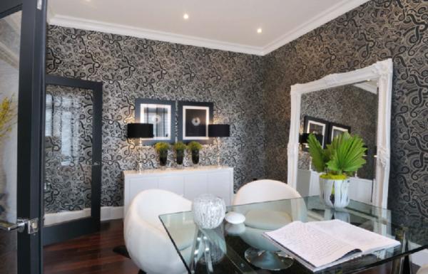 barockspiegel - im eleganten esszimmer