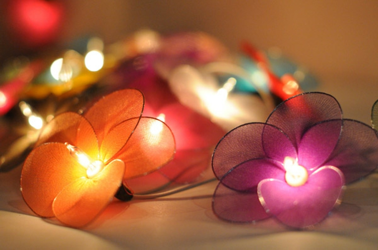 schick-edel-besonders-modern-farbenfroh-multicolor-blüten-leuchten-einzigartig