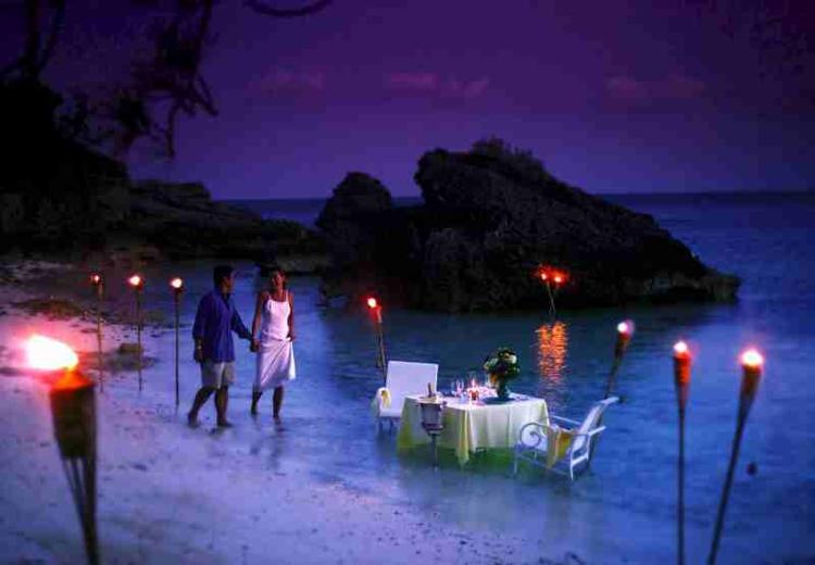 entzückende-strand-romance-zu-zweit-schick-edel-besonders-modern-fein-edel-luxus-traum