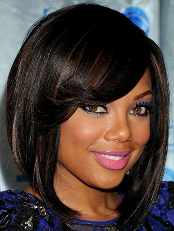 Frisuren für runde Gesichter - sehr elegante kurze dunkle haare