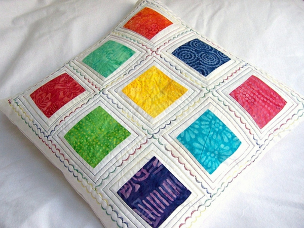 Patchwork Kissen - viele bunte quadrate