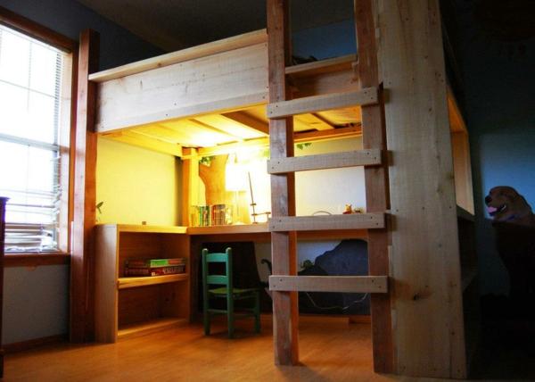 hochbett mitschreibtisch - hölzerne treppe