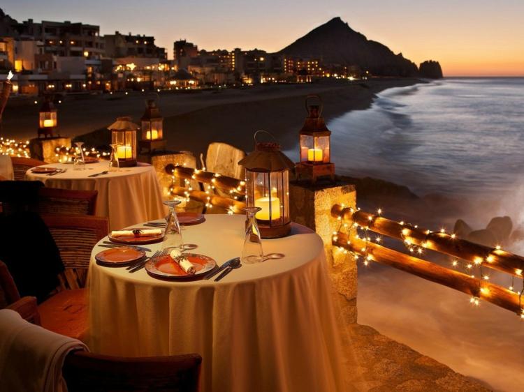 romantisch-am-meer-schick-edel-besonders-modern-luxus-leuchten-warm-zauberhaft