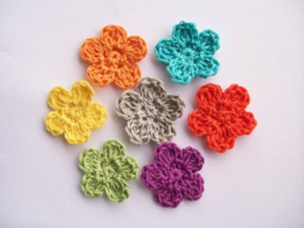 Blumen häkeln - viele bunte modelle