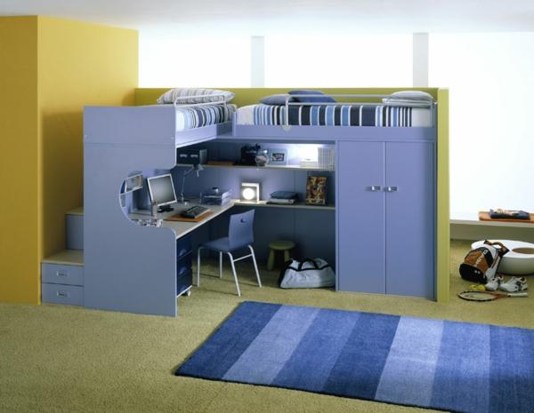 hochbett mitschreibtisch - blauer teppich im kinderzimmer