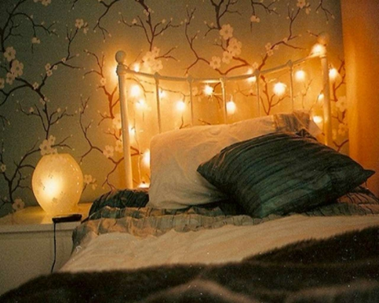 romantisch-schick-edel-licht-besonders-modern-lichter-kette-nachttisch-leuchte