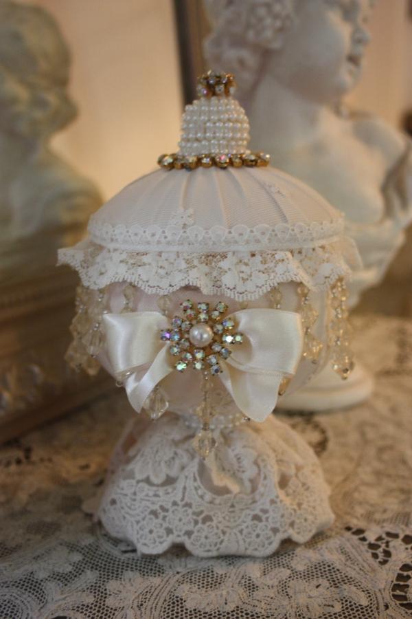 shabbystil - accessoires mit weißen perlen