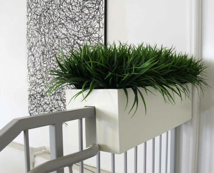 begrünung-entlang-der-treppe-schick-schlicht-edel-besonders-modern-fein-idee-