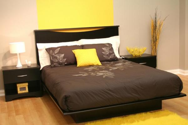 asiatische-betten-modernes-design-im-schlafzimmer-mit-einer-gelben-akzentwand
