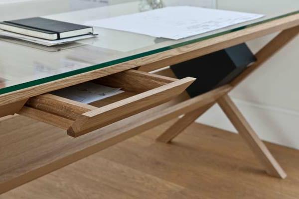 designerschreibtisch - moderne hölzerne schubladen