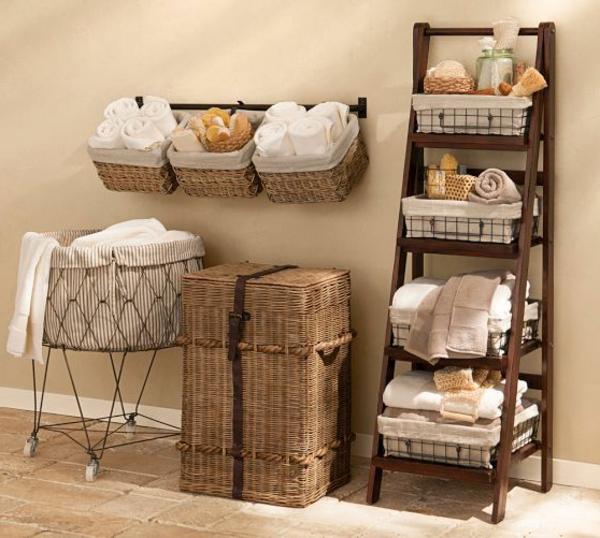 badezimmer-einrichten-interior-design-ideen-leiter-holz-im-wohnzimmer