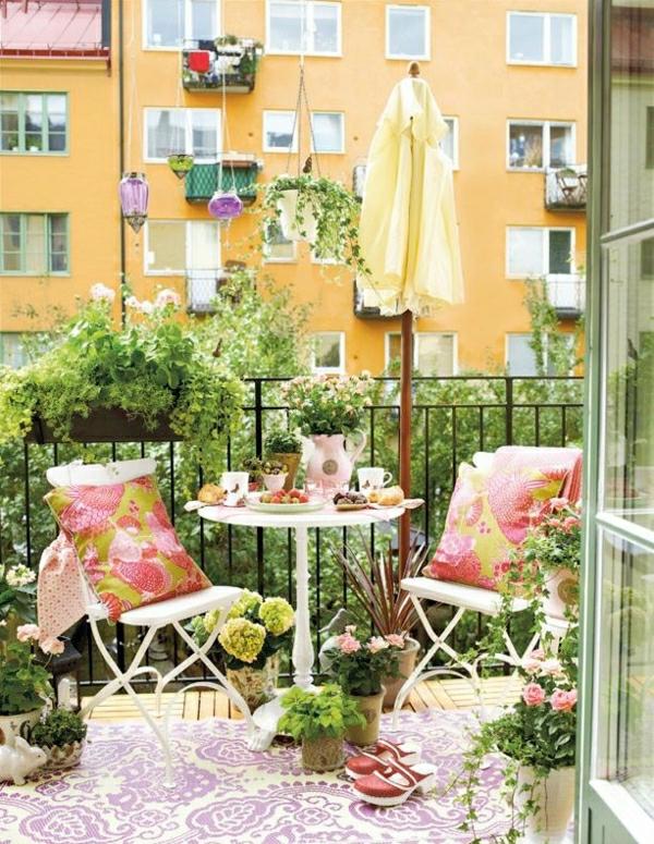 balkon-verschönern-balkon-deko-ideen-balkongestaltung-balkonmöbel