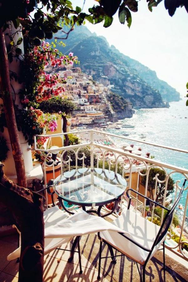 balkonmöbel-balkon-verschönern-balkon-deko-ideen-balkon-gestalten-