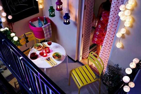 balkonmöbel-balkon-verschönern-balkon-deko-ideen-balkongestaltung