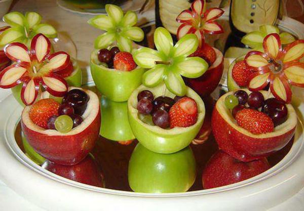 exotischesobst dekoration - wunderschöne blumen aus früchten