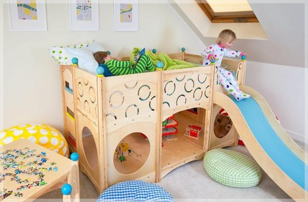 bett-mit-rutsche-als-spielplatz-für-die-kinder-kinderzimmer-einrichten-wohnideen- Indoorspielplatz