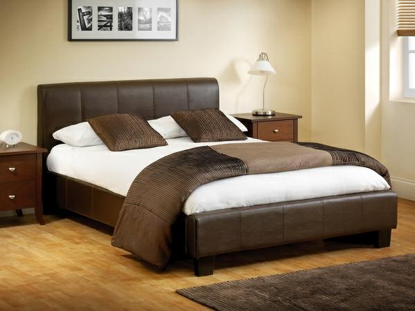betten-in-braun-moderne-und-schöne-gestaltung-vom-schlafzimmer- ein sehr schönes und cooles bild