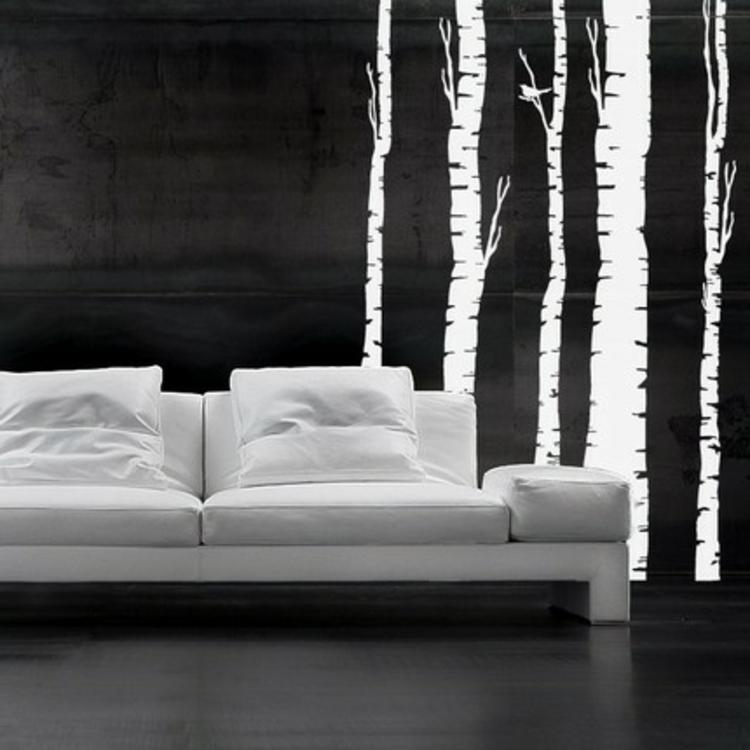 birken-bäume-in-weiß-auf-schwarzem-hintergrund-schick-edel-besonders-modern-coutch-sofa-in-weiß