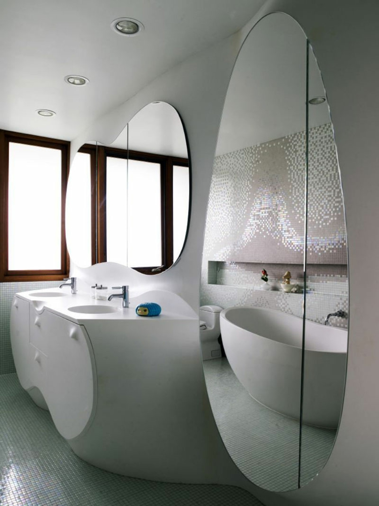 spiegel-rund-oval-modern-schick-neu-herausragend-design-edel-besonders