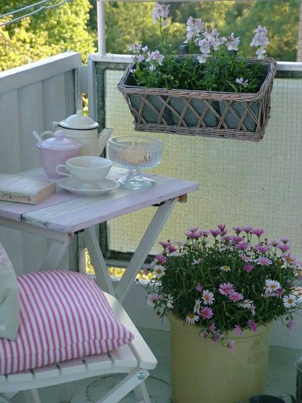 -blumenkasten-balkon-ideen-für-draußen-balkongestaltung