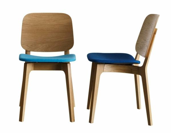 schwedische Möbel - hölzerne stühle und weißer hintergrund