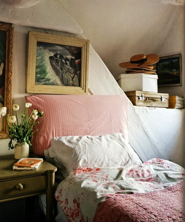 schlafzimmer im landhausstil - sehr klein und sehr gemütlich