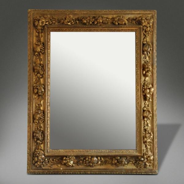 barockspiegel - eckiges modell und grauer hintergrund